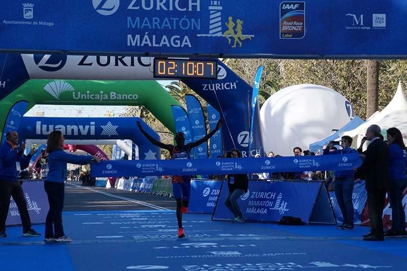 clasificaciones y fotos zurich maraton malaga 2019